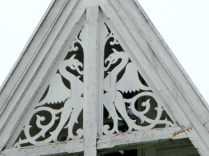 Decorative dragons on a Norwegian house